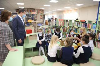 Первую модельную библиотеку Ярославля посетил мэр Владимир Волков